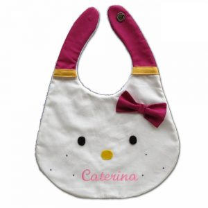 bavaglino-bambina-tema-hello-kitty